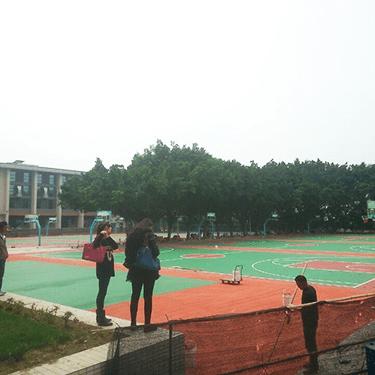 东莞理工学校5000平方硅PU工程